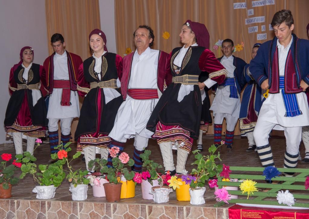 """Ansamblul Folcloric Aromân """"DOR"""", Sarighiol"""